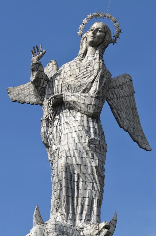 Madonna statue atop El Panecillo